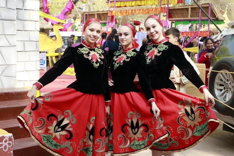 Russian dancers gear up to perform at the Chaupal at Surajkund Mela