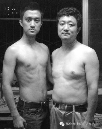 Tian Jun with his son in 2005