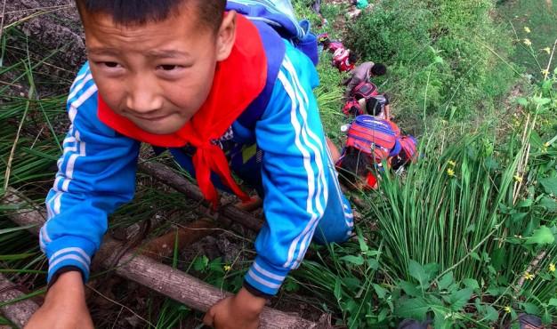 children_ladder_climb_2