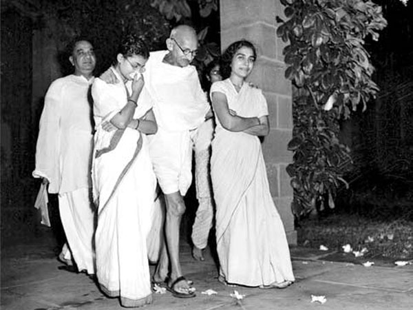 Image result for mahatma gandhi with manu and abha