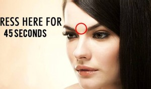 Did You Know What Pressing Your Forehead For 45 Seconds Does To Your Body? The Effects Are Magical!!