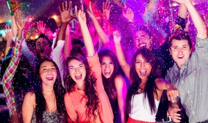 Tips for Women on What to Wear for a Rave Party