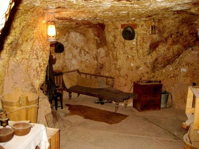 australia-underground-town