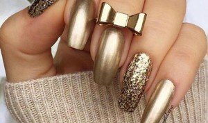 The Glamour-Filled Nail Art