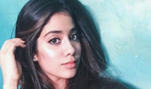 Dhadak actress Jhanvi Kapoor tells how to get six pack abs in five minutes! Watch this hilarious video