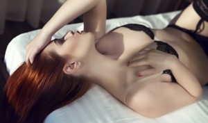 4 Hot Sex Tips – Giving Her An Orgasm By Sucking Her Breasts and Stroking Her Deep Vaginal Spot