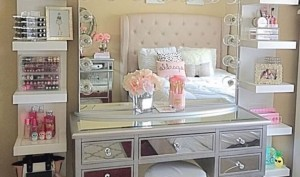 Bedroom Vanities – A Girl's Best Friend