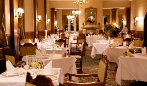 Celebrities Enjoy Fine Dining in Posh Hollywood Restaurants