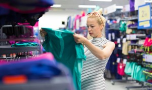 Determining the Best Time to Buy Girls Clothes