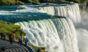 The Niagara Falls – Best Place for Honeymoon