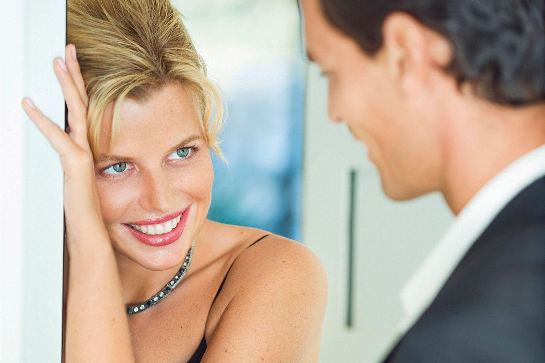 How To Flirt For Women